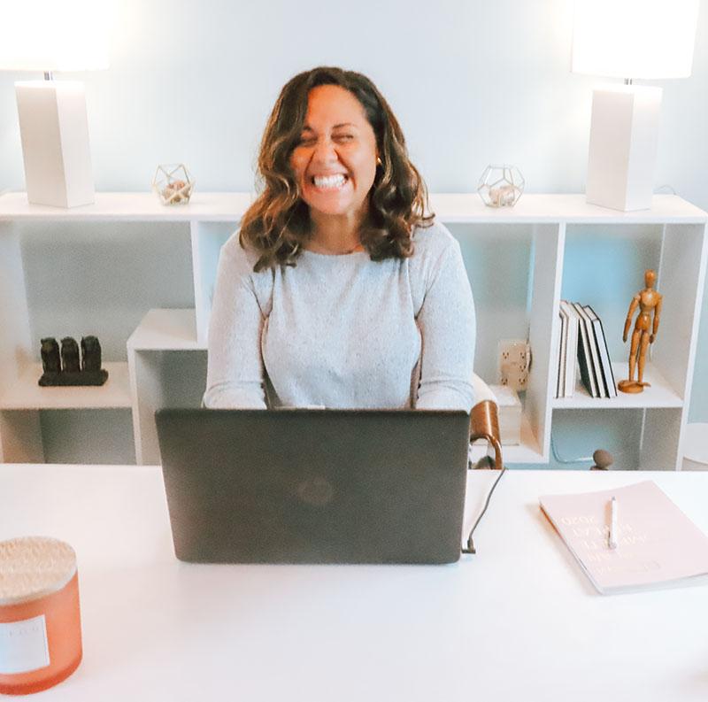 Rachel Woods smiling - Solten Marketing Office